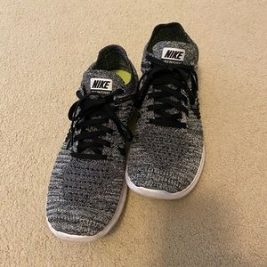 Nike women's Free RN Flyknit running shoes.